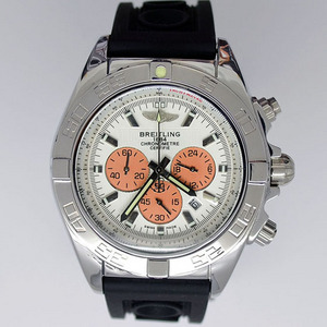 Copy Watches Breitling Chronomat B01 Certifie 1884 Rubber Strap [369c]